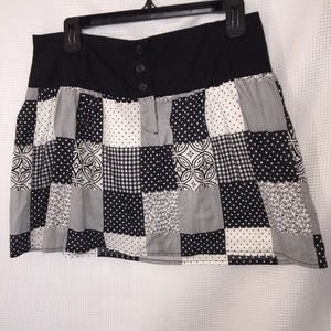Speechless mini skirt, in quilted print, B/W, Sz 7